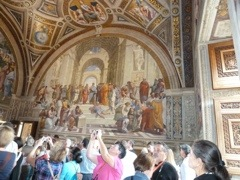 Raffaelo frescos